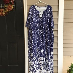 Nice comfy maxi dress in navy blue and white. NWT!